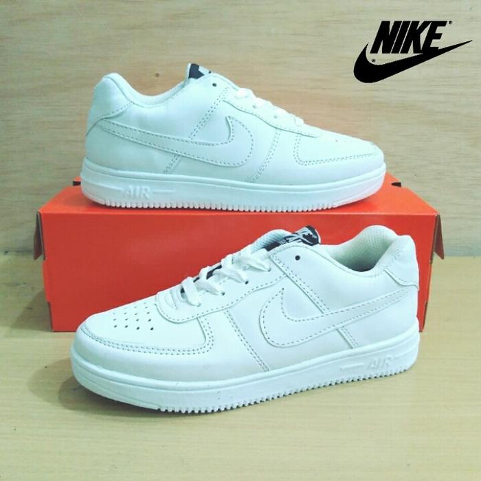 Sepatu Nike Air Force One Full White